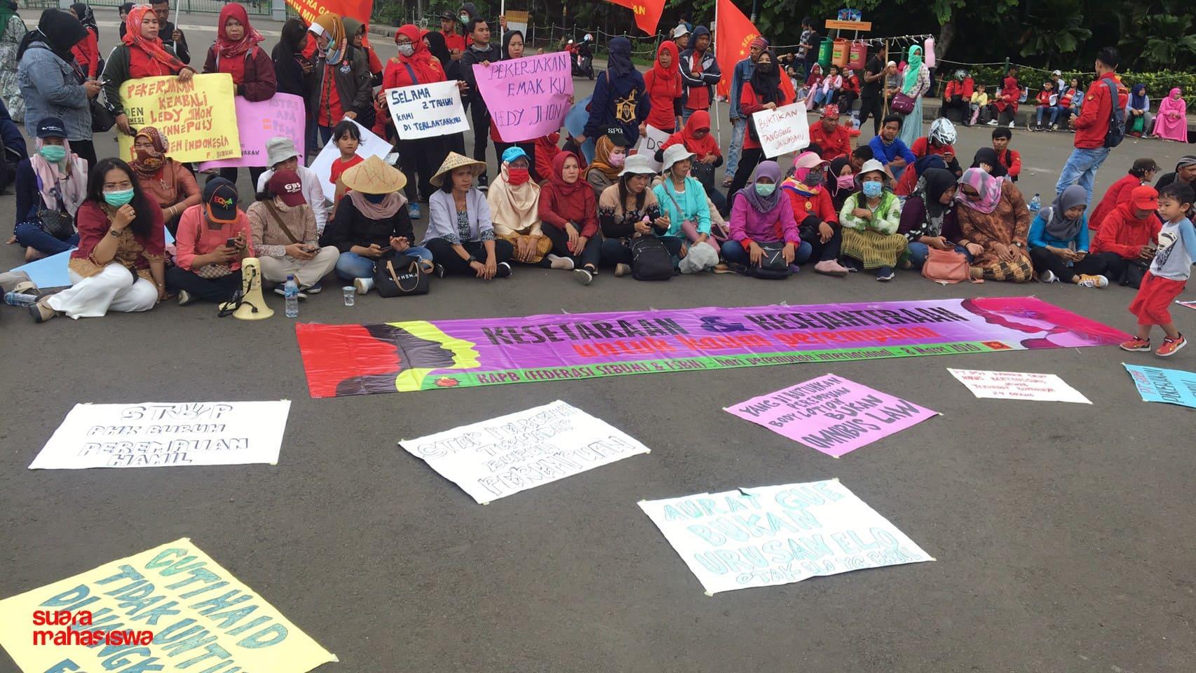 """Buruh Perempuan Mendominasi Perayaan International Women's Day 2020: """"Tolak Omnibus Law!"""""""