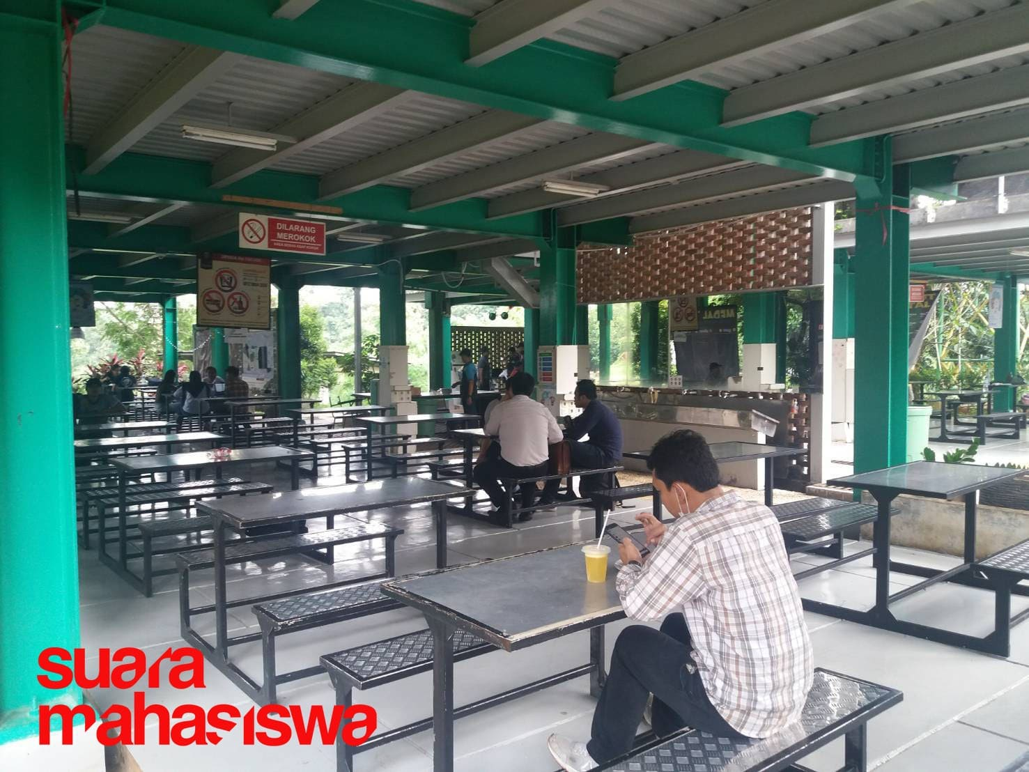 Nasib Pedagang Kantin Kala Lockdown Kampus